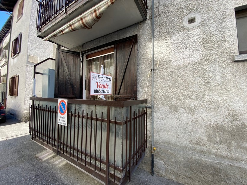 Appartamento trilocale termoautonomo ad Aosta a ridosso di ...